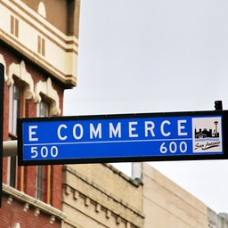 5 Ways E-Commerce Solutions Can Benefit Your Business